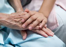 approvata legge sul Caregiver familiare