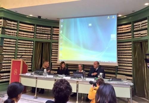 Ricerca Censis-AIMA sull'Alzheimer: 600mila malati in Italia, uno ogni 3 secondi, e sempre più anziani